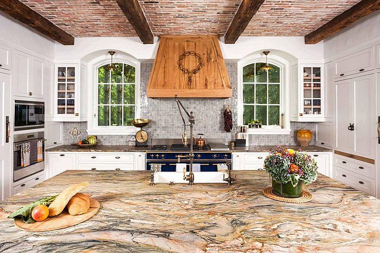 Дизайн кухни с использованием натурального камня